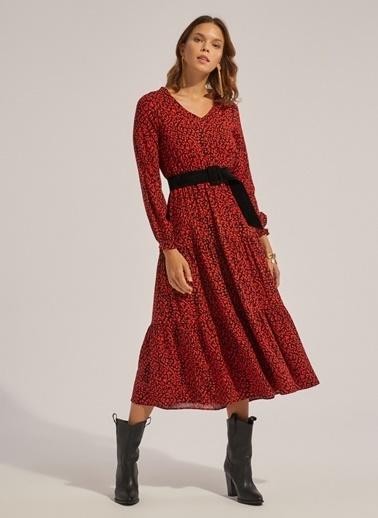 Monamoda V Yaka Eteği Kesikli Viskon Elbise Kırmızı